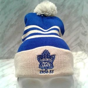 Toronto Maple Leafs Hockey Beanie pom Hat Cap